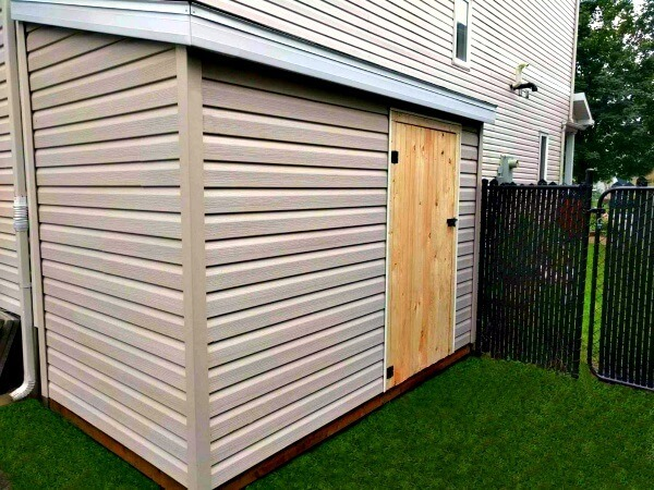 8x10 Lean-to Shed, wood door, spacesaver shed, Ottawa, Summit Sheds