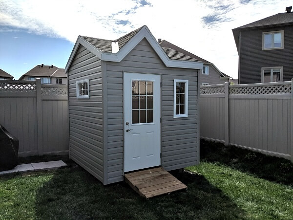 8x8 Victorian shed, 1/2 light door, grilled windows, ramp - Summit Sheds, Ottawa
